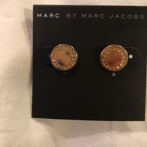 NEW MARC BY MARC JACOBS LOGO DISC STUD EARRINGS